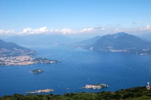 Lombardia Lago Maggiore visto dall'alto