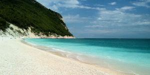 Marche Riviera del Conero Sirolo_spiaggia