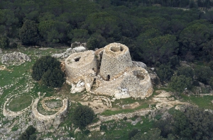 Sardegna - Nuraghe Serbissi dall'alto