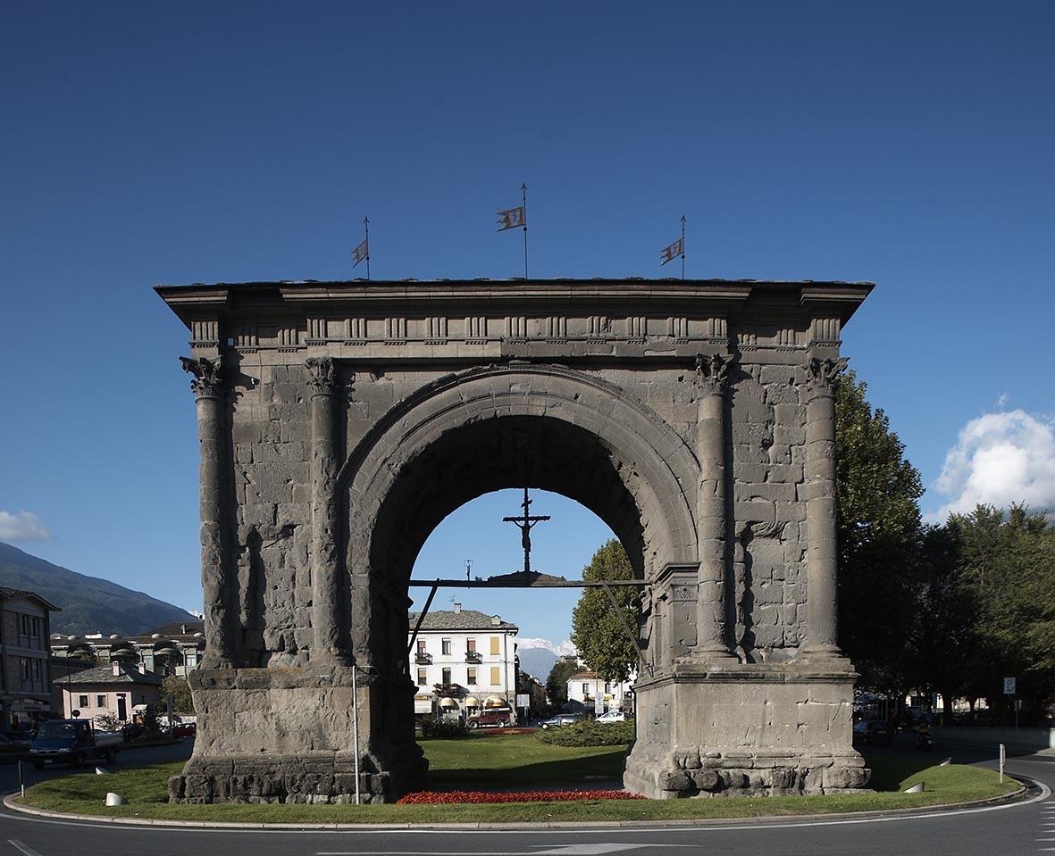 Cosa visitare ad Aosta Arco_Augusto