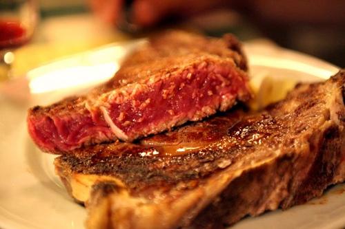 I piatti tipici della toscana, bistecca alla fiorentina
