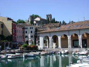 Desenzano del Garda - Porticciolo e Palazzo Todeschini