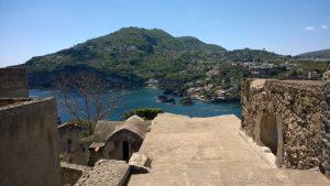 Castello Aragonese d'Ischia - Vista sugli scogli di Sant'Anna