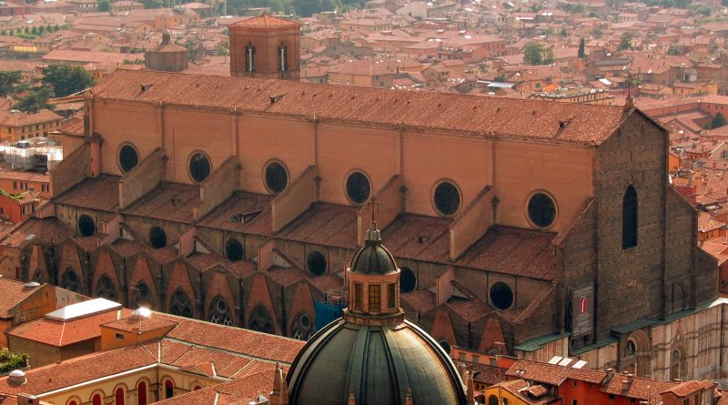 Bologna San Petronio vista dalla Torre degli Asinelli